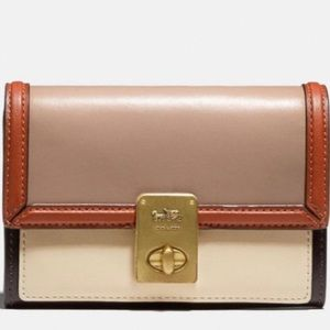 NWT Coach Hutton Wallet In Colorblock